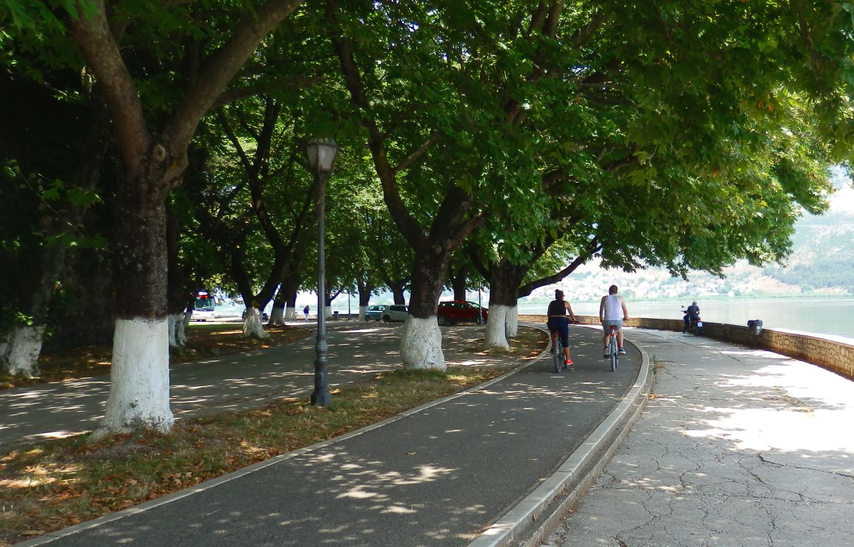 Griechenland Reisen - Radeln am See Ioannina.